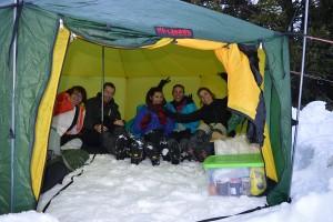 Raquettes à neige et bivouac avec Détours en Montagne