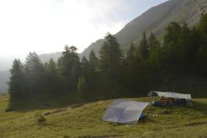 Bivouac sous tarp à Clapeyto